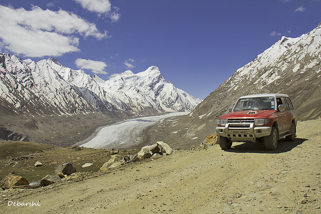 road trips in India, drang drung glacier, pensi la