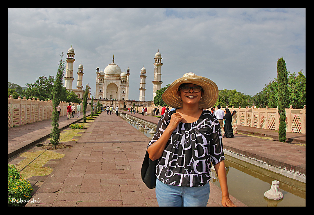 Chandrima in the gardens of Bibi ka Maqbara