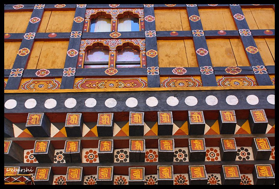 A colorful wooden Panel in the Paro Dzong