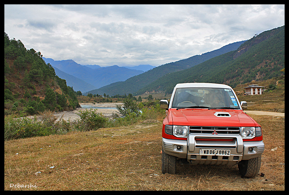 Beside Puna Tsang Chu in Punakha valley