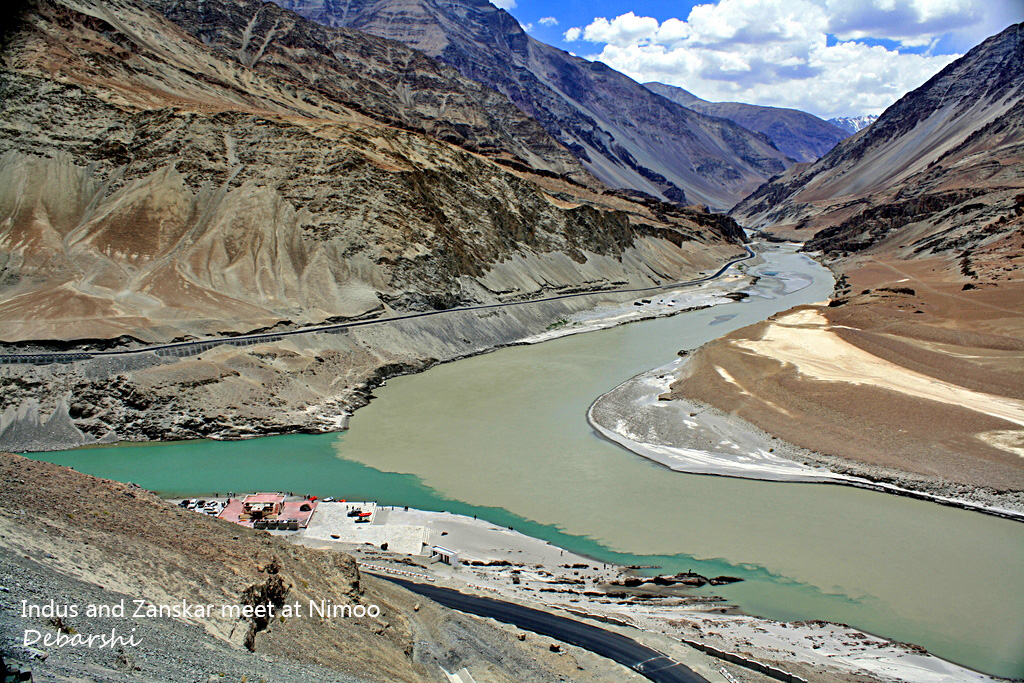 Confluence of Indus & Zanskar at Nimoo
