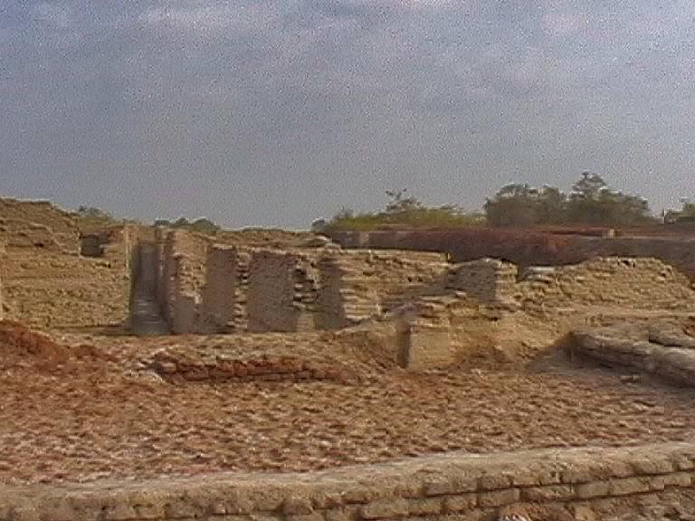 A visit to Mohenjo daro granary