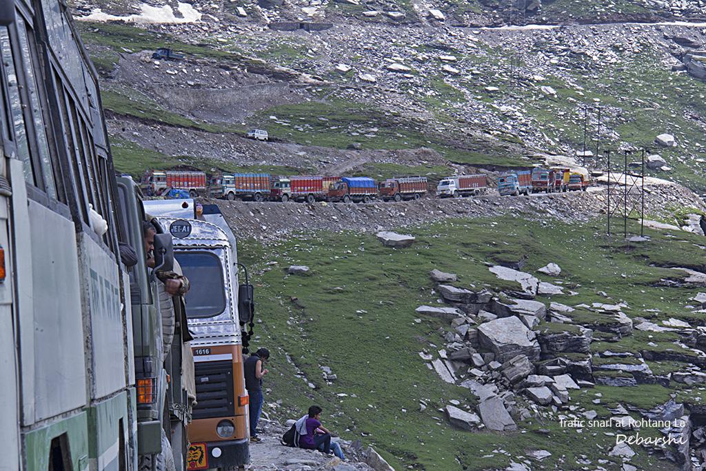 Trucks waiting at Rohtang La
