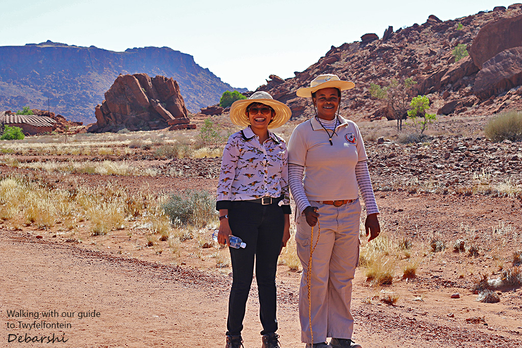Walking to Twyfelfontein