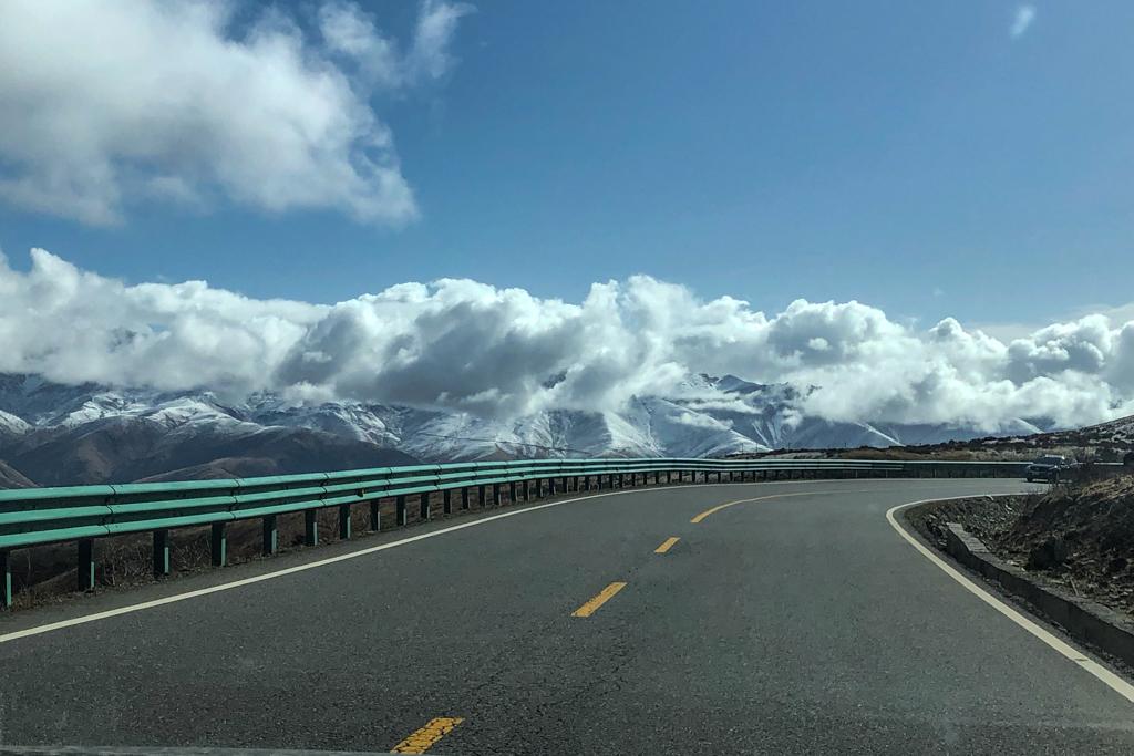 Road towards Kasha lake